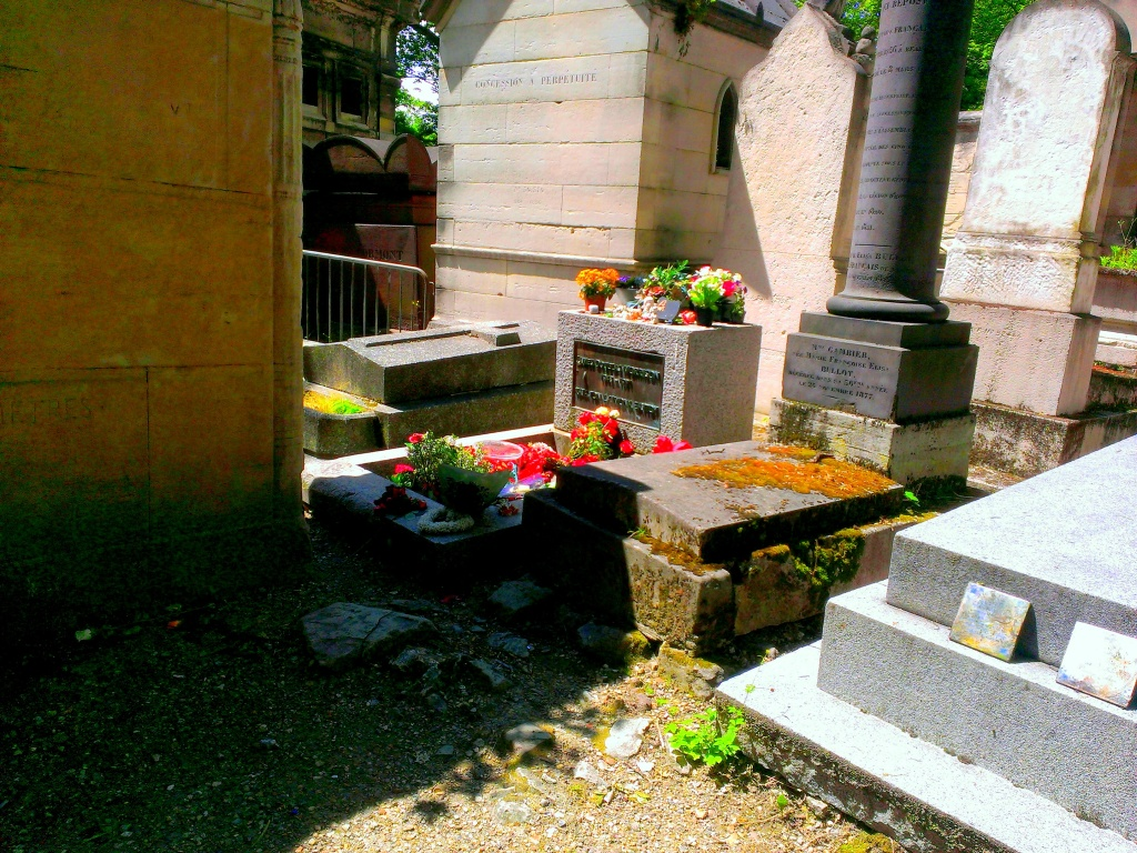 The grave of Jim Morrison.
